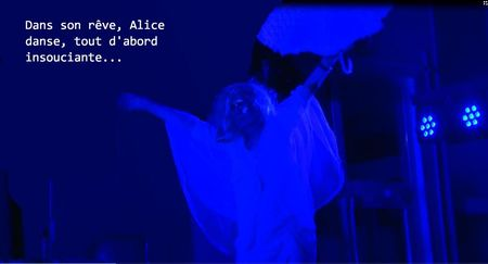 Photo wiki 3 Alice danse.jpg
